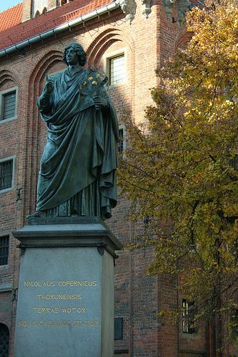 pomnik Mikolaja Kopernika